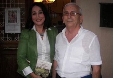 Ο συγγραφέας του βιβλίου Αθανάσιος Παπατριανταφύλλου με την δημοσιογράφο και ηθοποιό, Μαρία Παπαδοπούλου